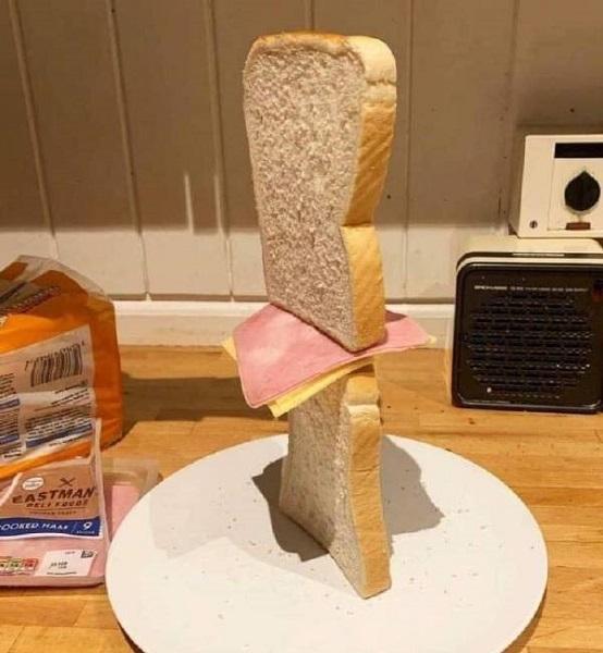 两面包夹芝士是如何从明日方舟席卷互联网社区的 一个梗的传播都经历了什么